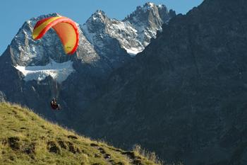 Parapente au départ des 2 Alpes
