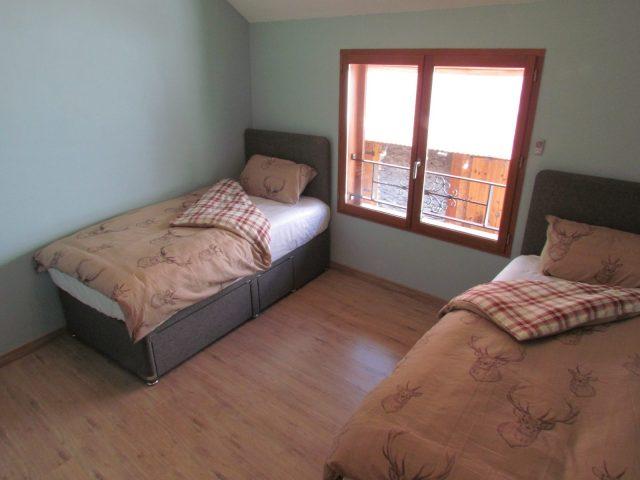 Maison Les Bergers – Chambre lits simples