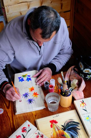 Peinture sur bois et porcelaine